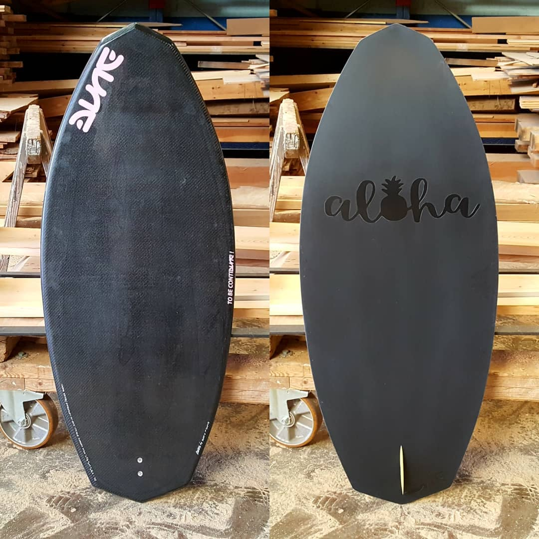 Wakesurf DL, Bottom with mate/shiny logo