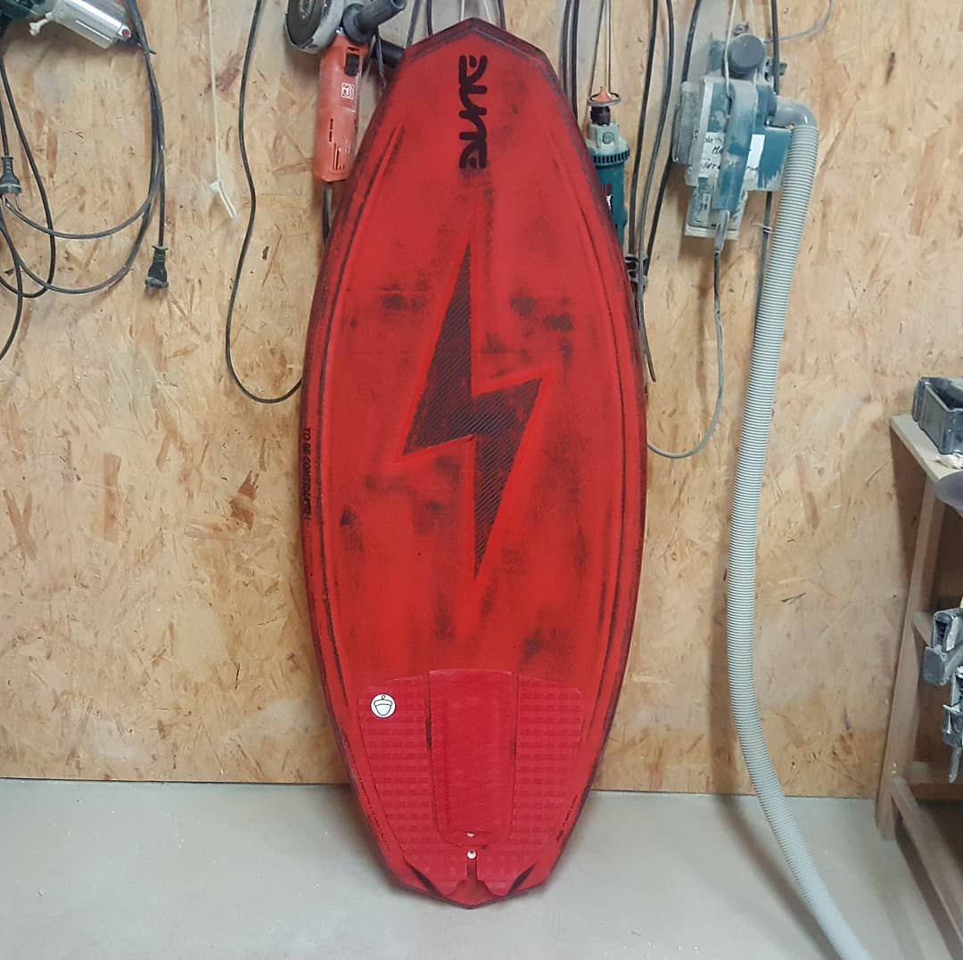 Wakesurf DL, sanded deck with sanded lightning
