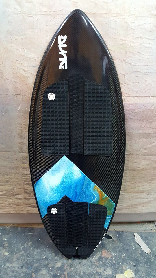 Wakesurf Mars with resin tint